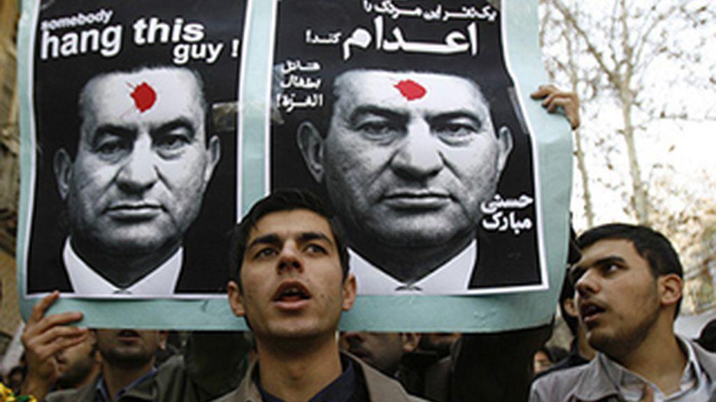 Las redes sociales sirvieron para catalizar las protestas y acelerar la caída de los regímenes de Túnez y Egipto.