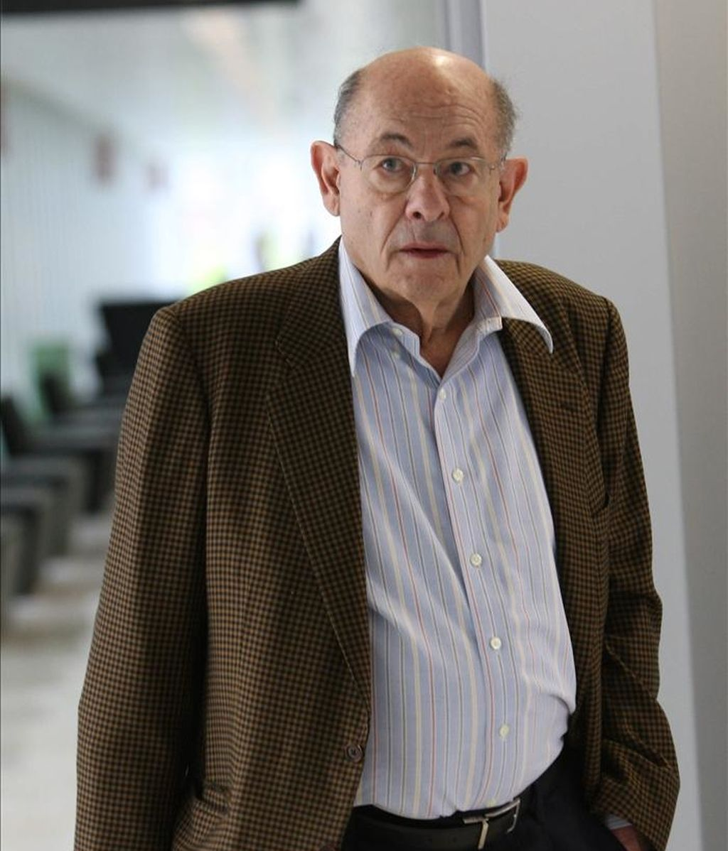 El antiguo responsable del Palau de la Música Fèlix Millet, a su llegada a los juzgados hoy, donde se ha negado a declarar ante el juez por el presunto pago de comisiones de la constructora Ferrovial a CDC a través de la institución cultural. EFE