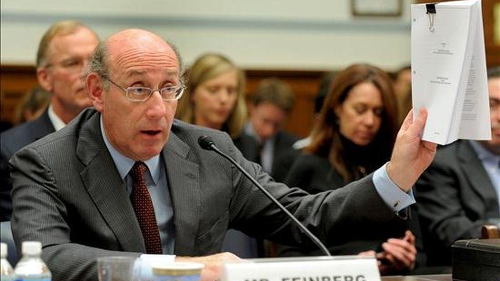 El zar de pagos de Estados Unidos, Kenneth Feinberg, divulgó los resultados de una investigación sobre las prácticas de 419 bancos que recibieron dinero del Gobierno estadounidense durante la reciente crisis financiera. EFE/Archivo