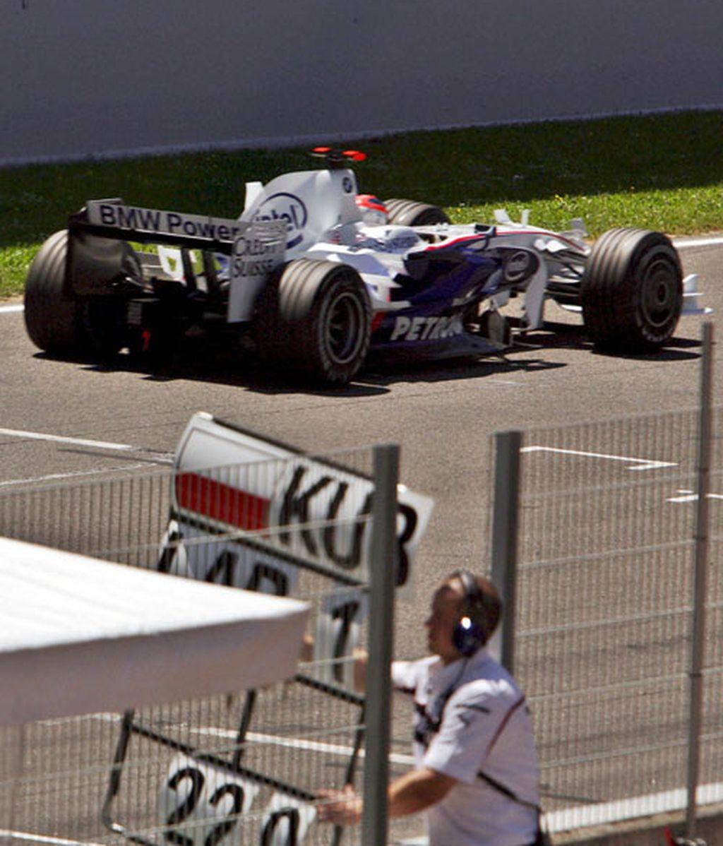Kubica, durante los entrenamientos en Montmeló. Foto: EFE