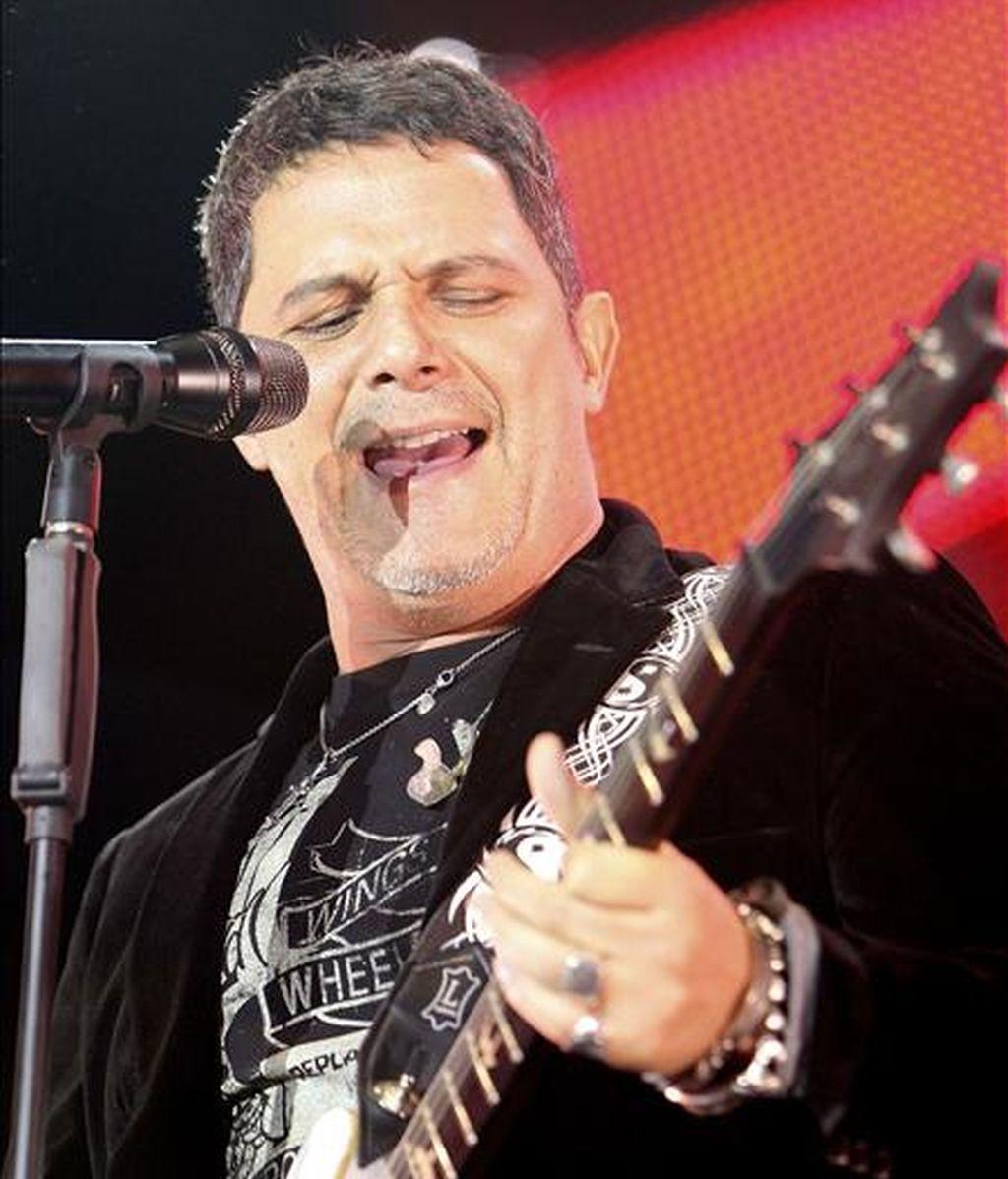 El cantante y compositor Alejandro Sanz, durante un concierto en Puertollano (Ciudad Real). EFE/Archivo