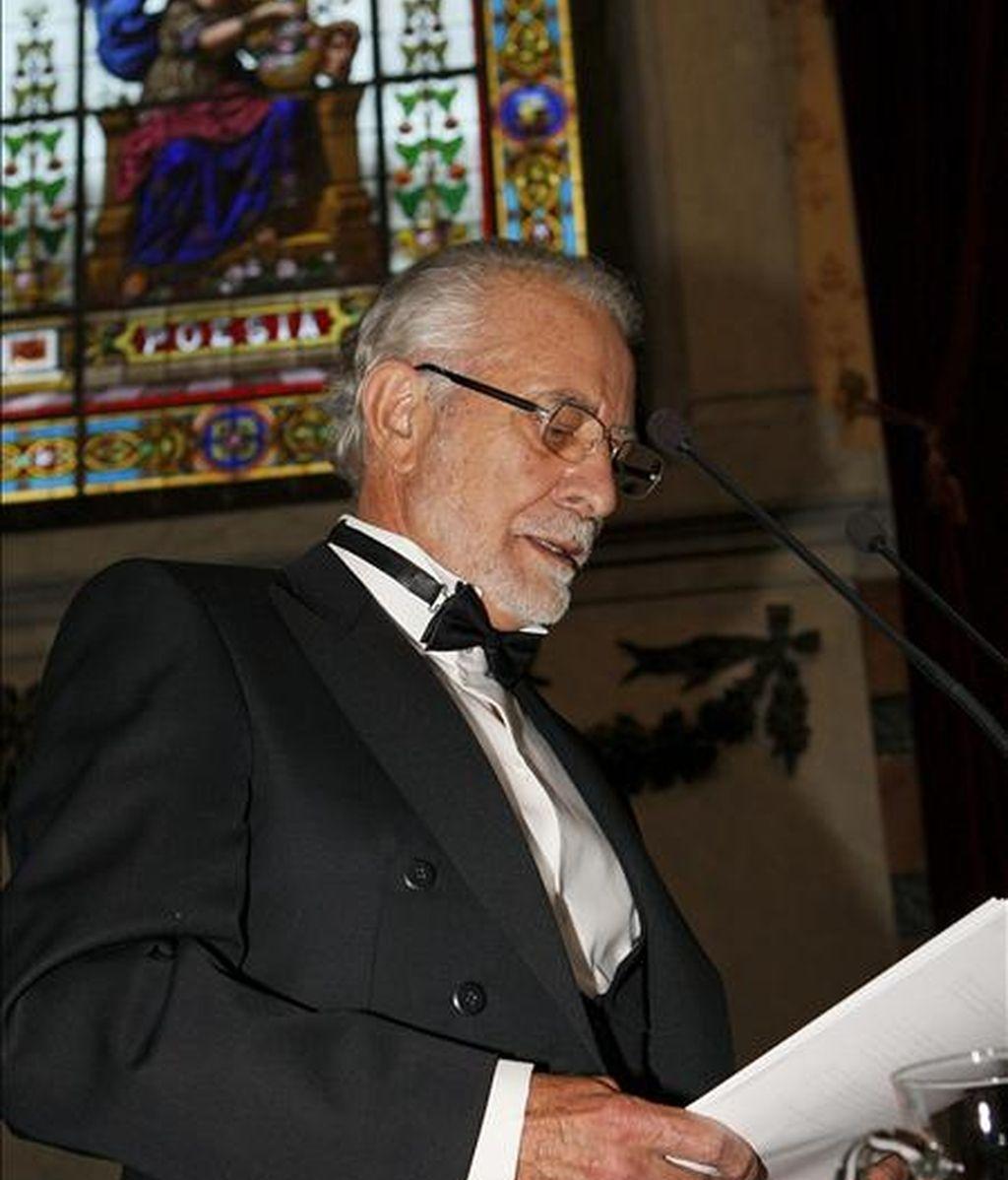 """El escritor José María Merino durante su discurso """"Ficción de verdad"""" en el acto de su ingreso en la Real Academia Española que se celebró ayer  en Madrid. EFE"""