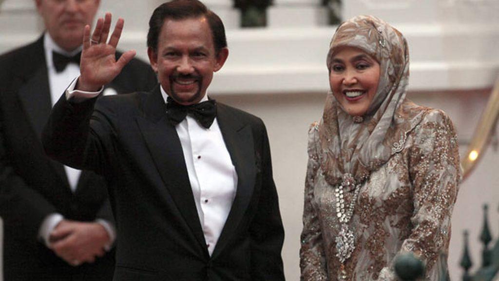 El sultán de Brunéi y su esposa Raja