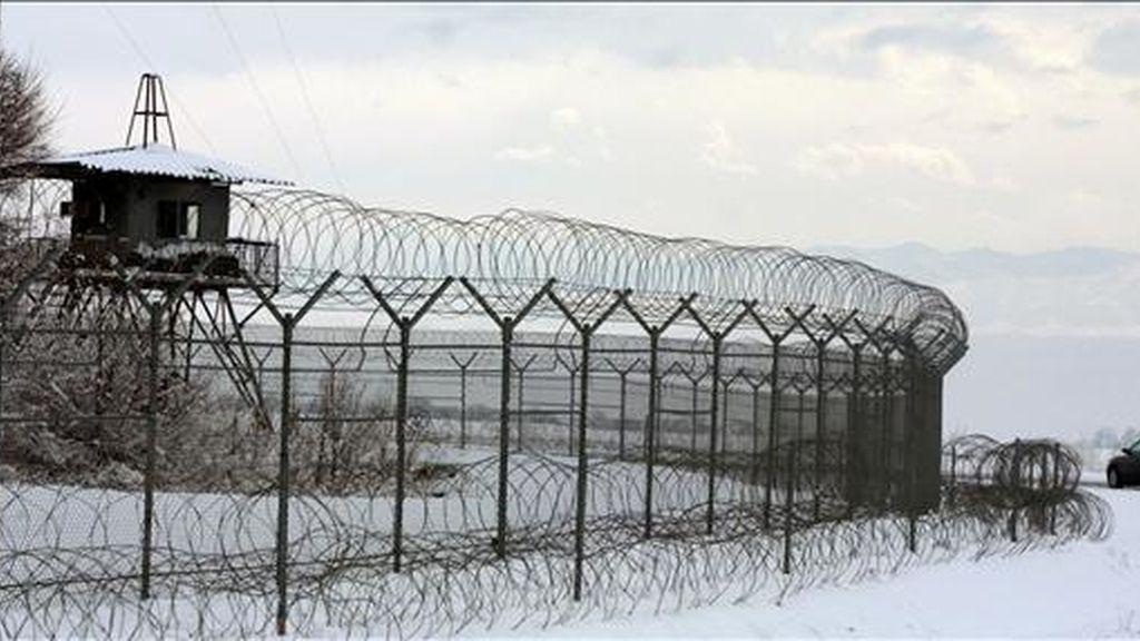 Vista general de la base de las fuerzas de la coalición internacional antiterrorista en el aeropuerto Manas, de Bishkek (Kirguistán). EFE
