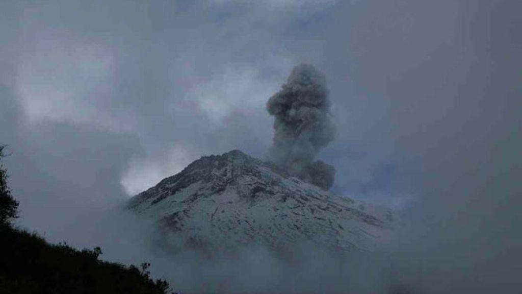 Violentas explosiones del volcán Sangay