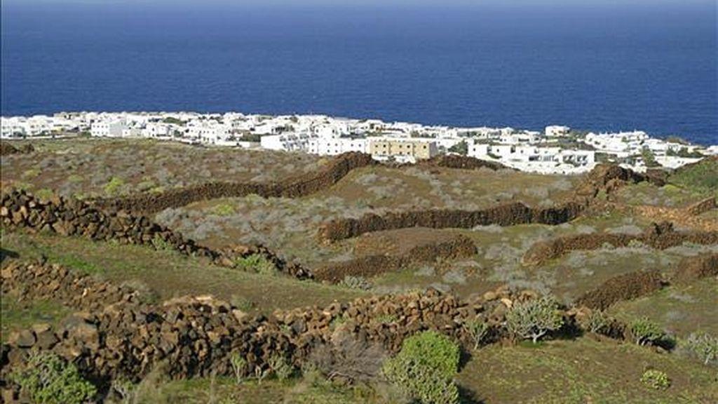 Vista general del pueblo de Arrieta, al norte de Lanzarote. EFE/Archivo