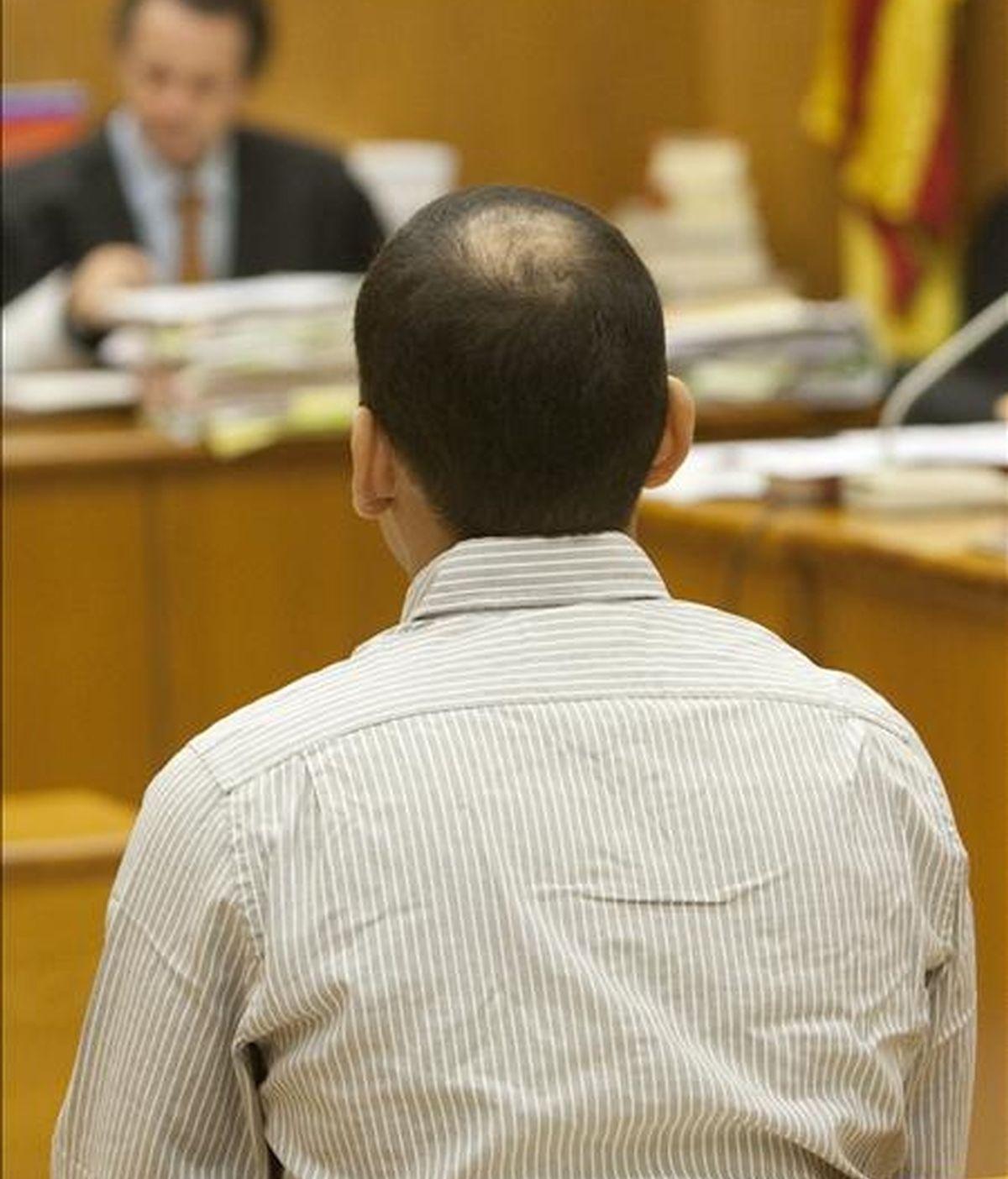 La Audiencia de Barcelona inició hoy el juicio contra Sigfredo Becerra Lozano, presuntamente acusado de haber violado en apenas diez meses a ocho mujeres, cuatro de ellas menores de edad, abordándolas en el portal de su casa. EFE