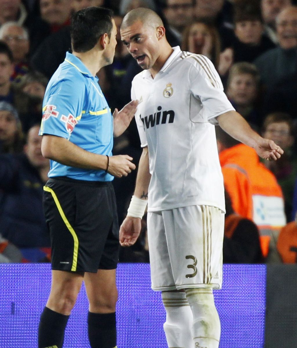 Pepe discute con Teixeira