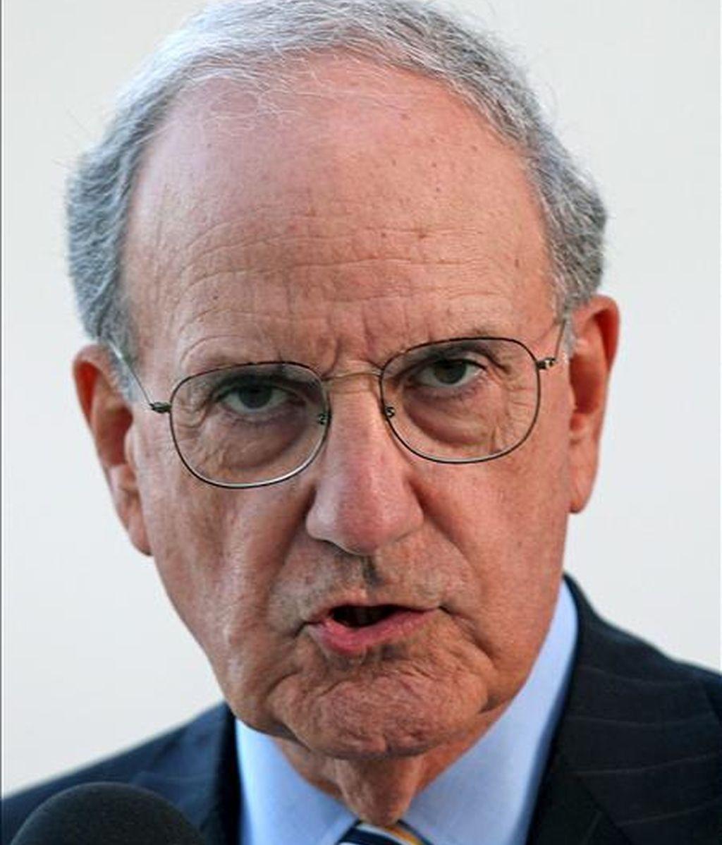 El portavoz del Departamento de Estado, Philip Crowley, dijo que el enviado especial de EE.UU. para O. Medio, George Mitchell, revisará las circunstancias y el ambiente actual sobre el terreno que EE.UU. espera llevará cuanto antes a negociaciones directas entre las partes. EFE/Archivo