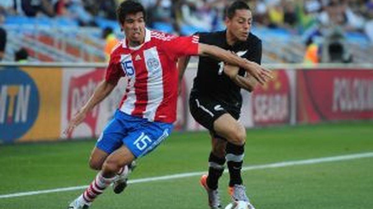 Víctor Cáceres será titular. Foto: Getty