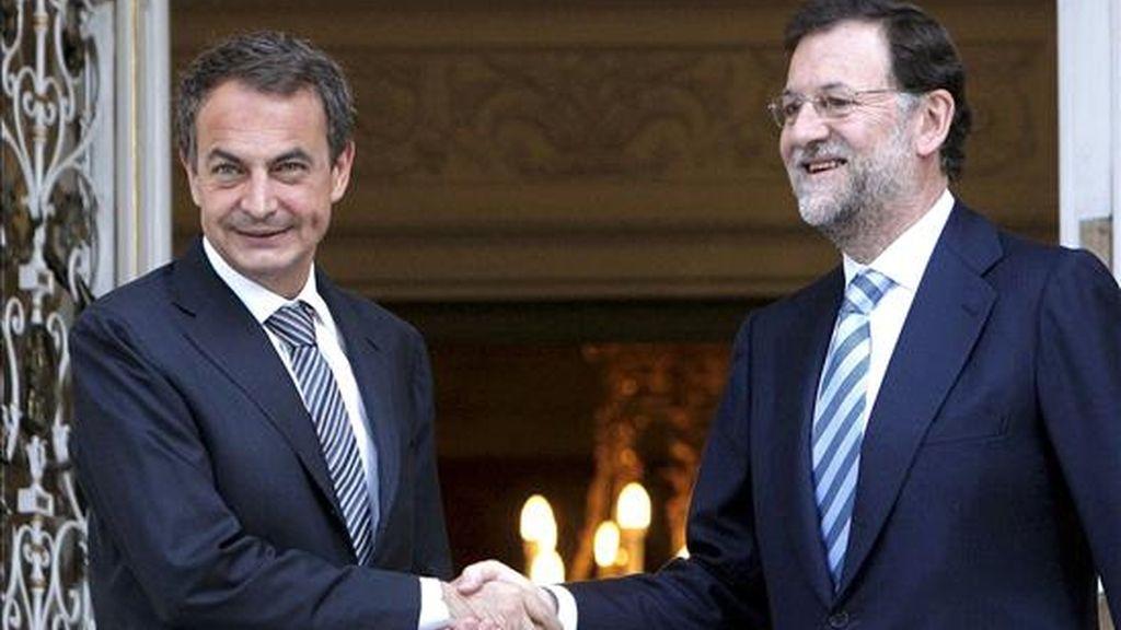El presidente del Gobierno, José Luis Rodríguez Zapatero (i), y el líder del PP, Mariano Rajoy. EFE/Archivo