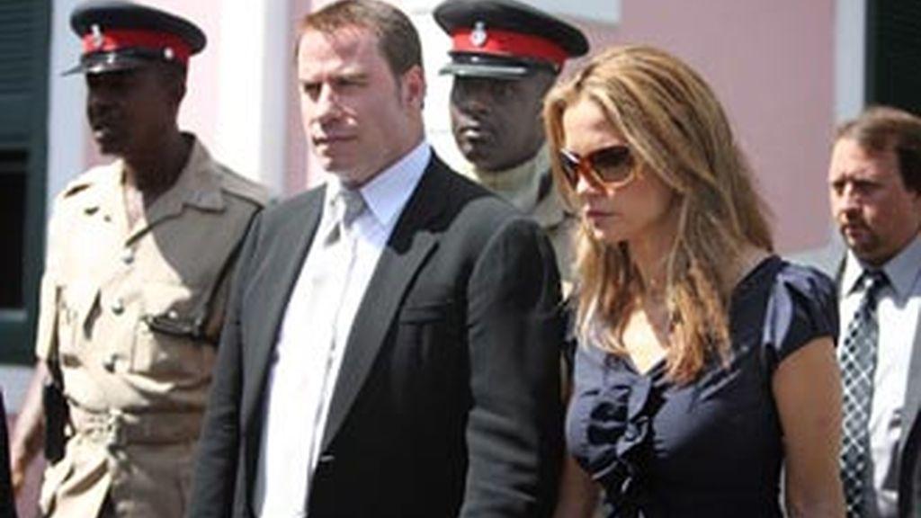 John Travolta tendrá que volver a Bahamas para el nuevo juicio contra las dos personas que intentaron extorsionarlo, tras la muerte de su hijo. Foto archivo