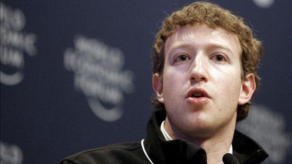 """""""La gente espera hasta el final de sus carreras para donar. ¿Pero por qué esperar cuando hay tanto por hacer?"""", afirmó el fundador de Facebook, Mark Zuckerberg. EFE/Archivo"""