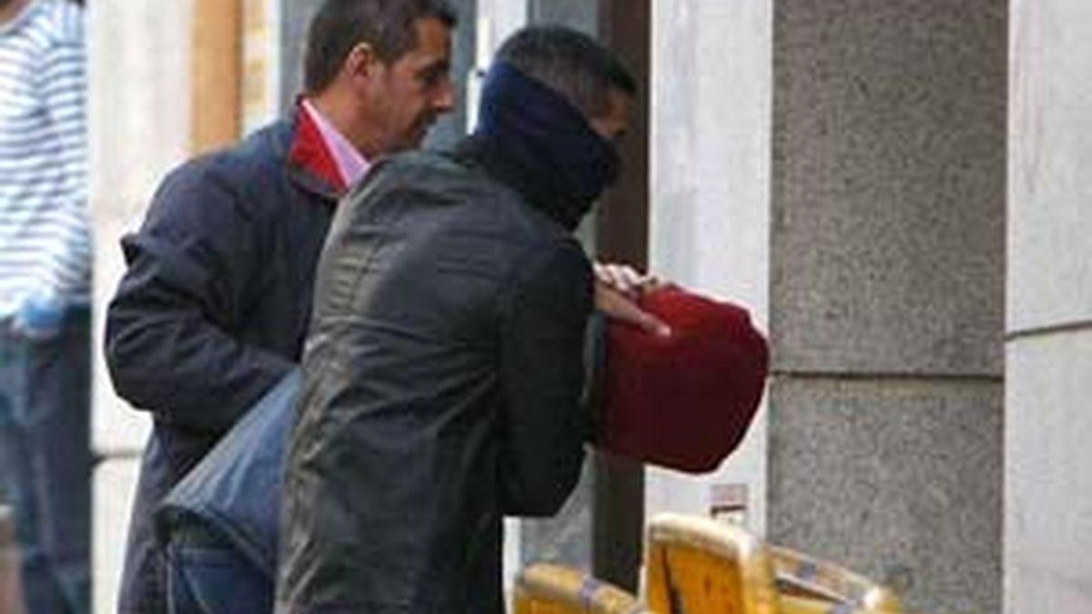 Patxi López pide que se estudie la posibilidad de acceder a las peticiones de los piratas. Video: Informativos Telecinco