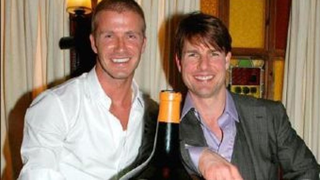 La lesión de David Beckham ha hecho que el futbolista se plantee su trayectoria profesional y esté pensando en  hacerse actor. Ha pedido consejo a su amigo Tom Cruise.