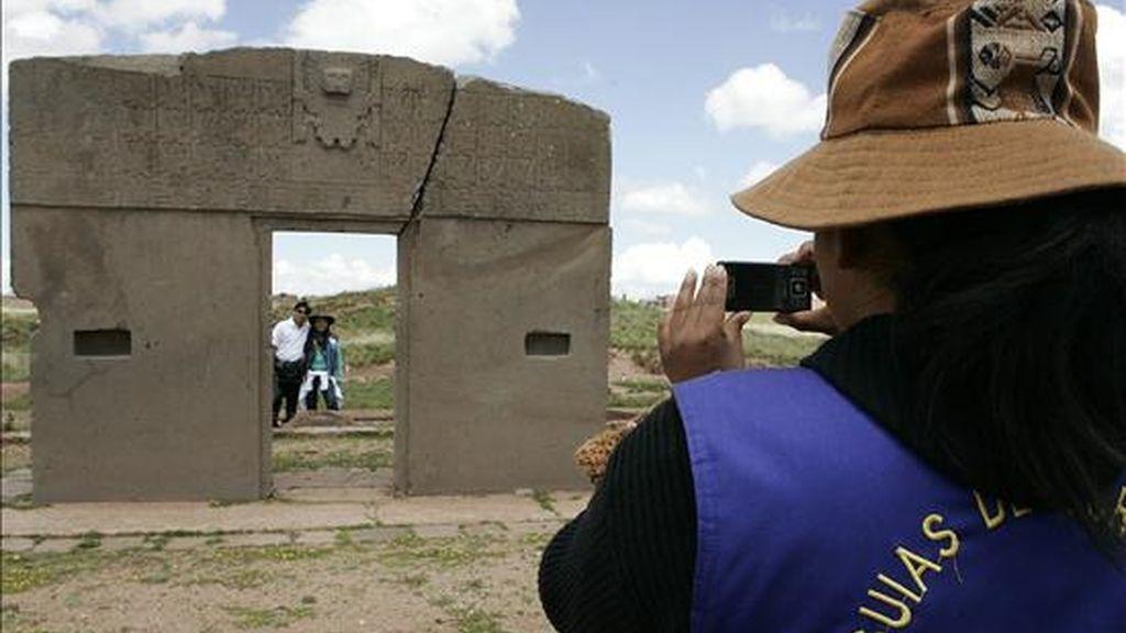 """Fotografía de la """"Puerta del Sol"""", un complejo arqueológico está ubicado en el altiplano de Bolivia a más 3.800 sobre el mar y es uno de los lugares más visitados del país gracias a sus ruinas preincaicas. EFE/Archivo"""