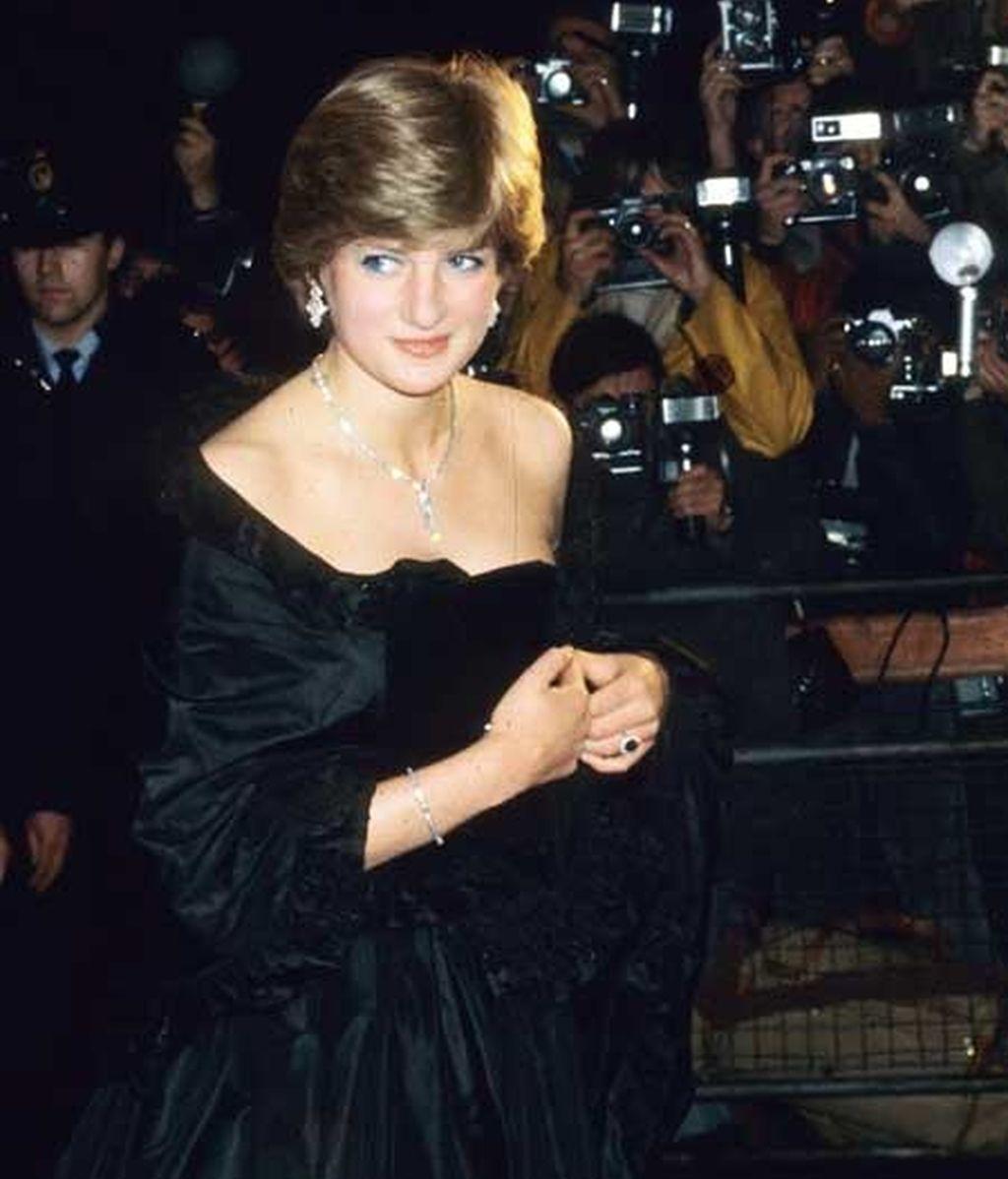 El mismo anillo, en 1981