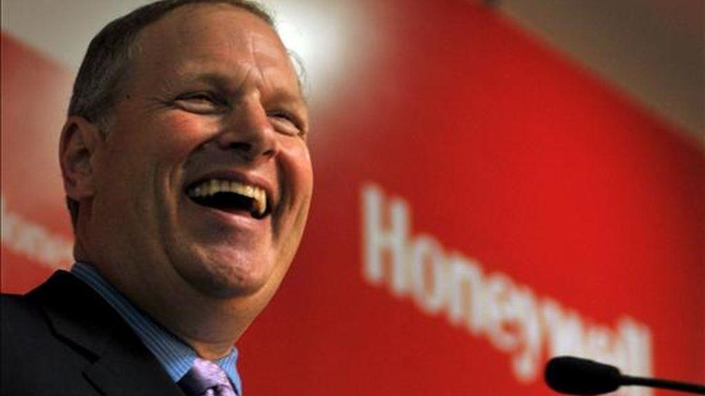 """Para el conjunto del año, Honeywell elevó las previsiones que tenía y apuntó que podría ganar entre 2,4 y 2,5 dólares por acción, ya que, según su responsable ejecutivo, Dave Cote, """"la recuperación ya está en marcha"""". EFE/Archivo"""