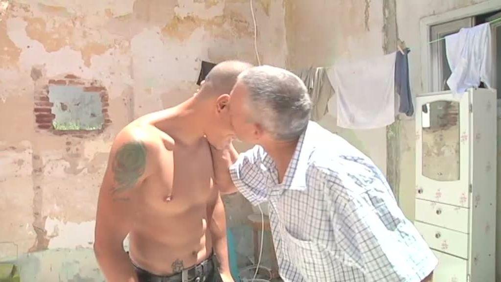 Padre e hijo en la calle