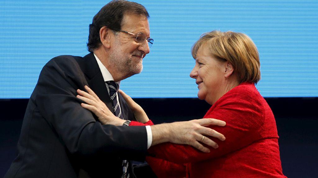 Merkel invita a Rajoy a una cumbre en Berlín el 18 de noviembre con diversos líderes