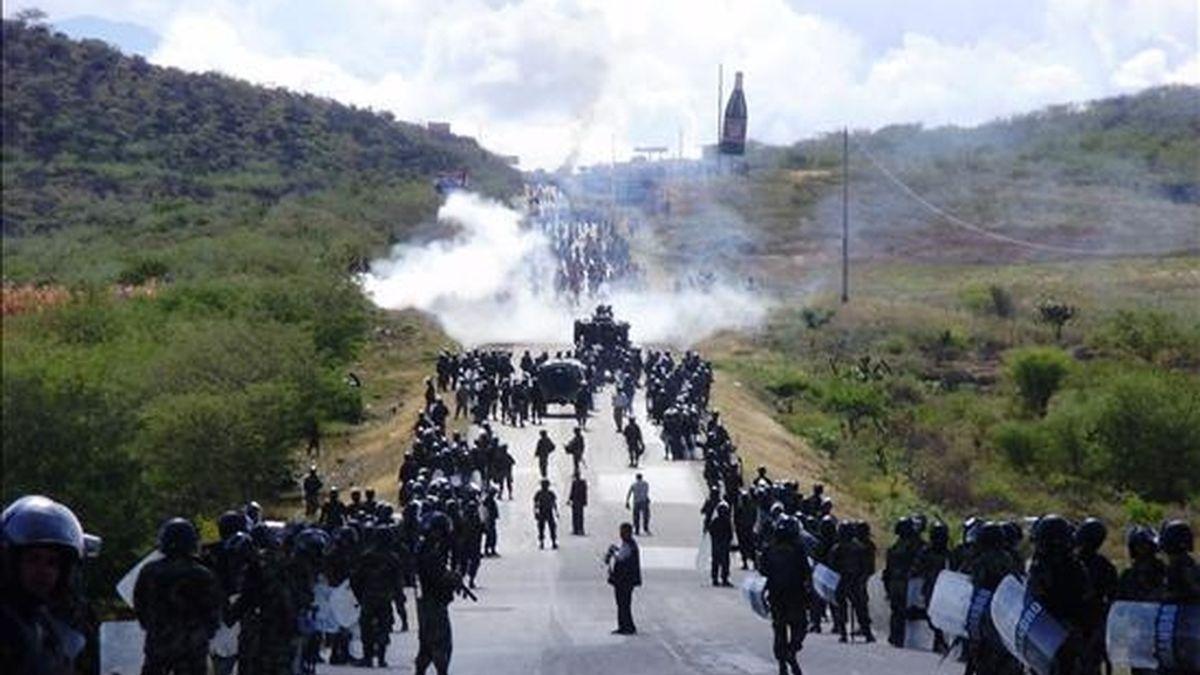Toledo afirma que ninguna acción policial se hace sin autorización del presidente, por lo que la responsabilidad política de las al menos 32 muertes derivadas de los enfrentamientos recaería sobre García. EFE