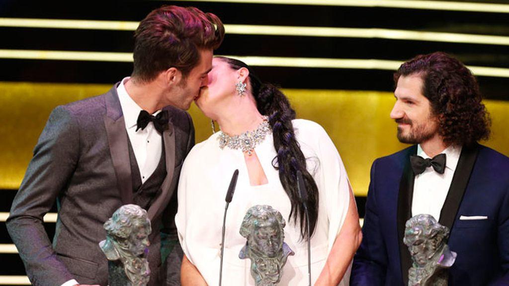 El modelo John Kortajarena y la actriz Rossi de Palma