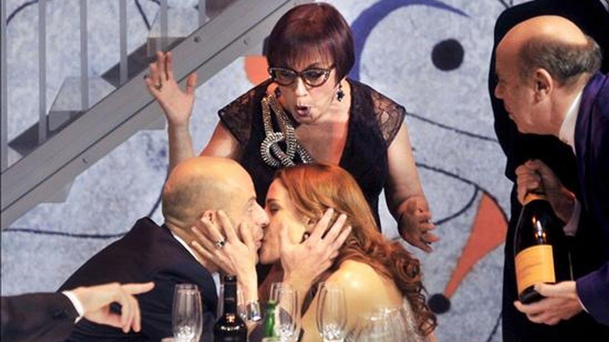 """Momento del pase gráfico de """"Celebració"""", la última obra de Harold Pinter, una crítica ácida y mordaz de la alta sociedad actual, que se entrenará el día 9 de diciembre en el Festival Tempora Alta de Girona, y que dirige el futuro director del Teatre Lliure Lluis Pasqual. EFE"""