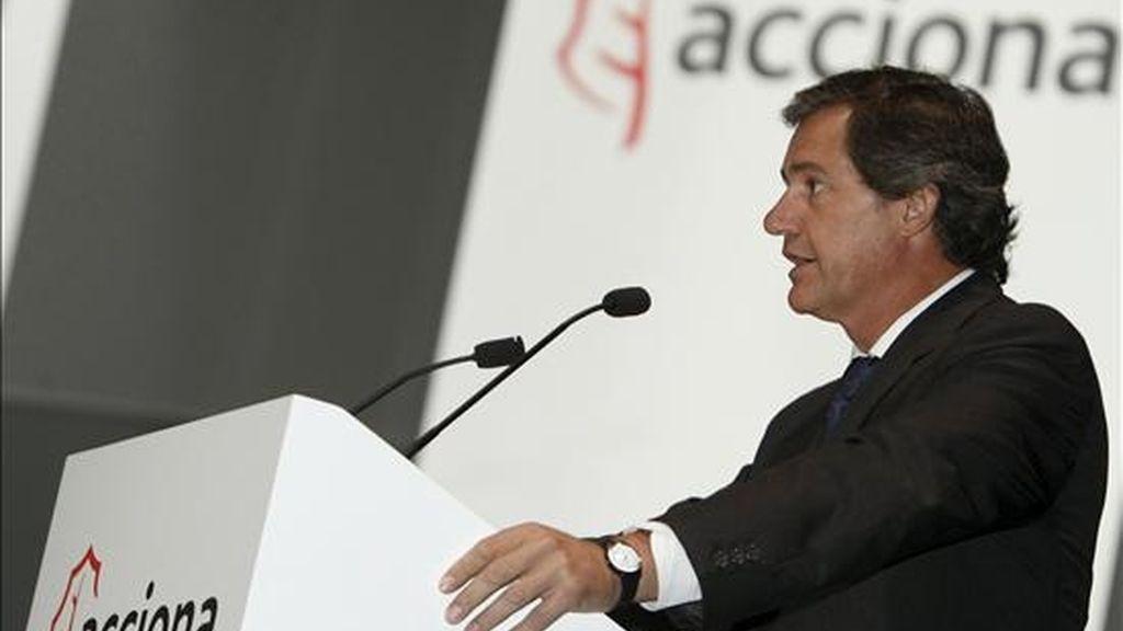 El presidente del Acciona, José Manuel Entrecanales, durante su intervención en la junta general ordinaria que el grupo celebró el pasado mes de junio en Madrid. EFE/Archivo