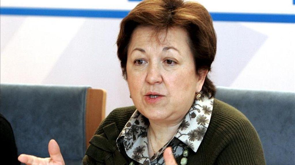 La conselleira de Sanidad de Galicia, Pilar Farjas, durante la rueda de prensa de esta mañana en su consellería de San Lázaro. EFE