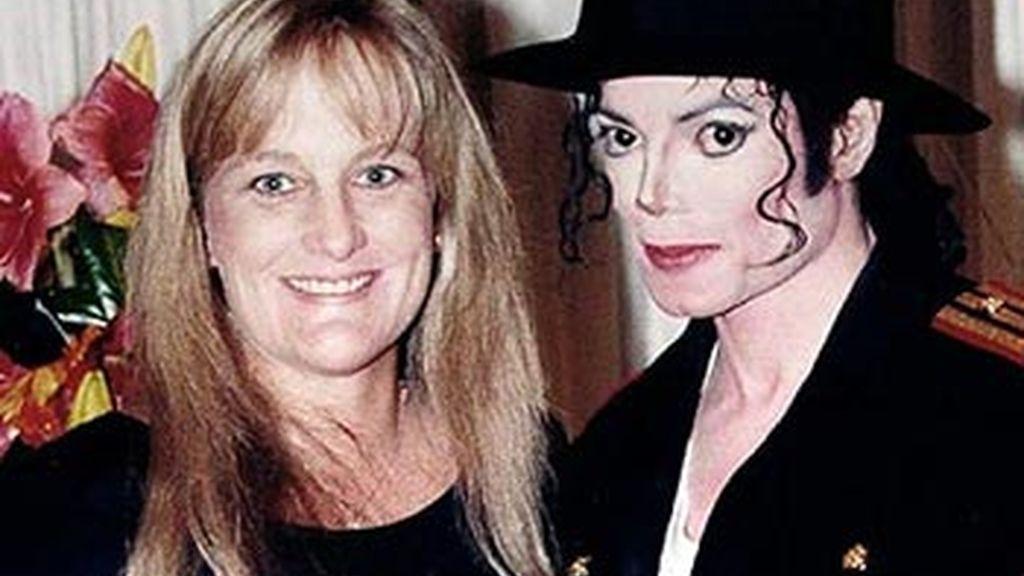 Michael Jackson y Debbie Rowe, cuando eran marido y mujer, un matrimonio que duró desde 1996 hasta 1999. Foto archivo