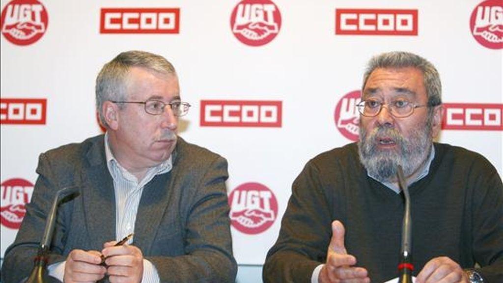 Los secretarios generales de CCOO y UGT , Ignacio Fernández Toxo (i) y Cándido Méndez (d). EFE/Archivo