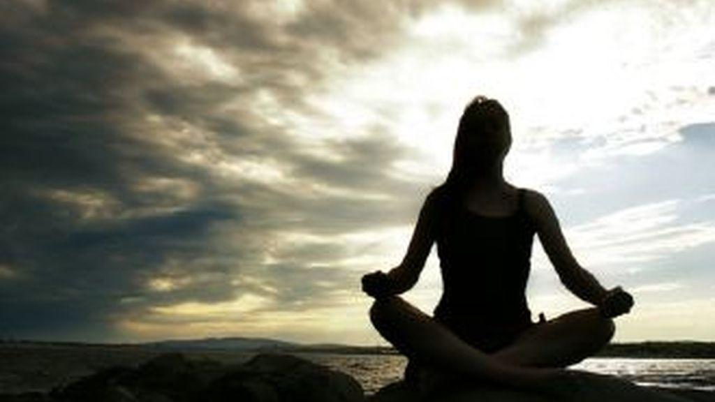 Un estudio demuestra los beneficios de la meditación trascendental para las dolencias cardíacas.