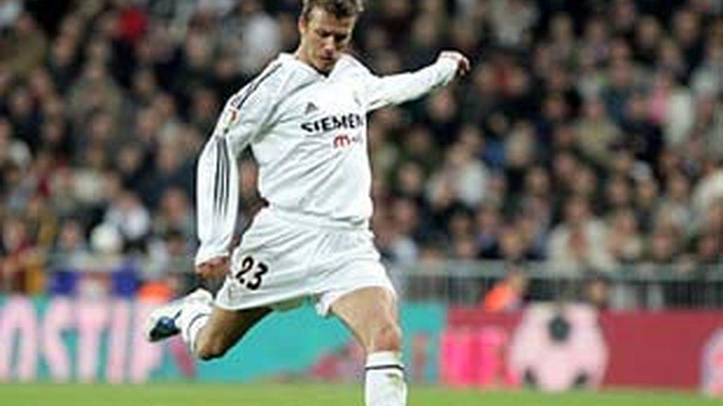 El inglés David Beckham fue el primero en beneficiarse de esta ley que lleva su nombre.