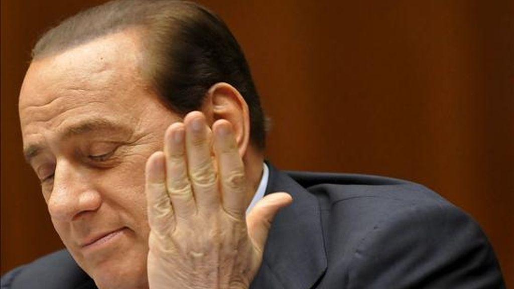 El primer ministro italiano, Silvio Berlusconi, fotografiado durante la Cumbre de la Unión Europea en la sede del Consejo Europeo en Bruselas (Bélgica), ayer, 18 de junio. EFE