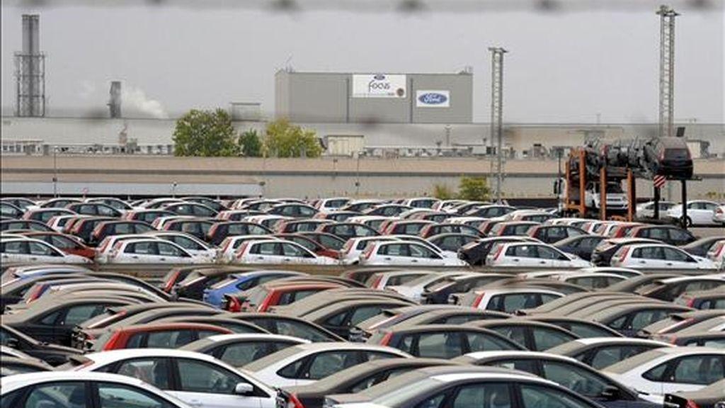 En la imagen de archivo, la factoría de Ford en Almussafes, Valencia. La Comisión Europea aprobó hoy la ayuda de 51,9 millones de euros que las autoridades españolas tienen previsto conceder a Ford España para la transformación de esta planta. EFE