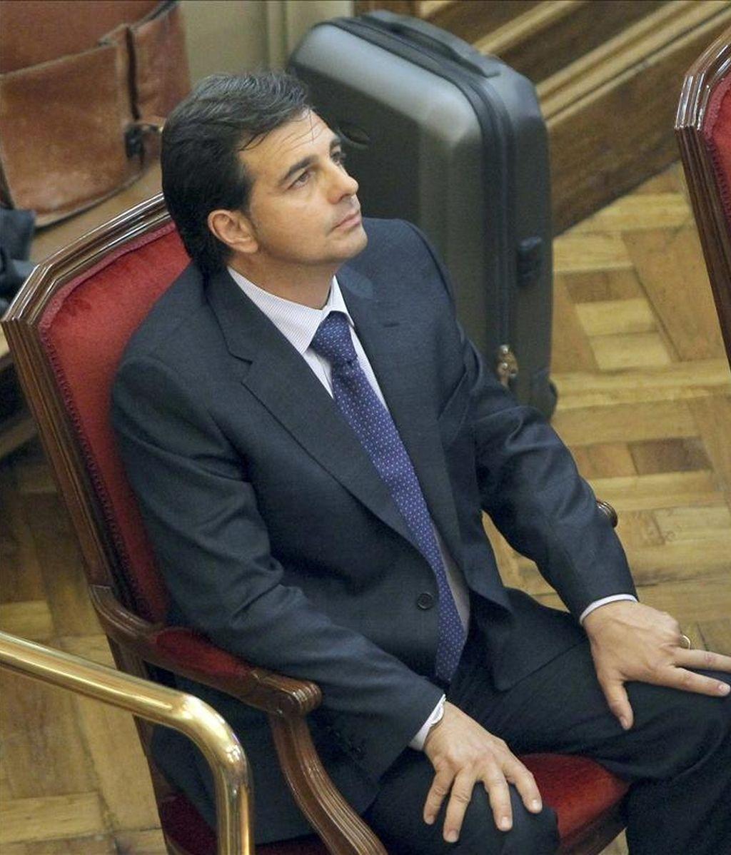 El yerno y jefe de seguridad de los joyeros Tous, Lluís Corominas, acusado de matar a un presunto ladrón, en la silla de los acusados de la Audiencia de Barcelona. EFE