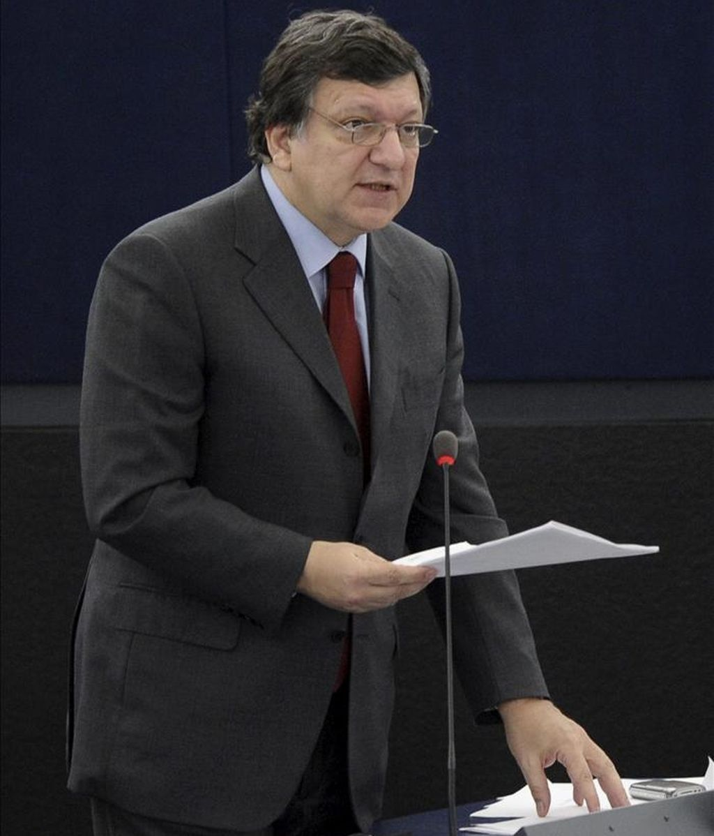 Portugal no puede acceder a un programa puente de financiación mientras negocia con la UE y el FMI un plan de rescate a medio plazo de su economía, según recalcó hoy el presidente de la Comisión Europea, José Manuel Durao Barroso. EFE/Archivo