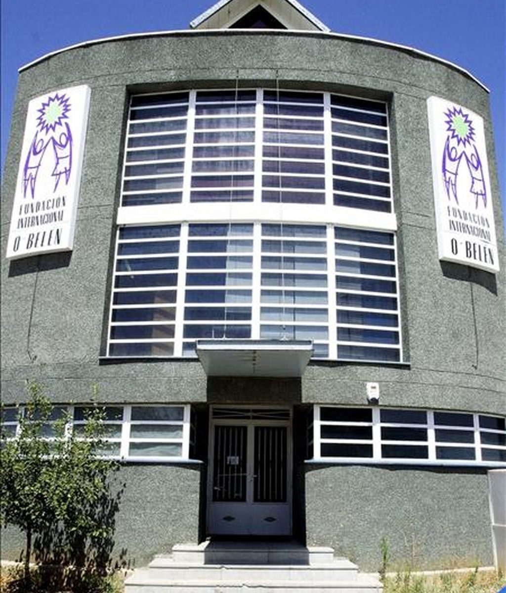 Fachada de la Fundación O'Belen, que gestiona el centro de menores 'Casa Joven' donde vivía la niña que se tiró de un vehículo en marcha cuando regresaba al centro de menores de Azuqueca de Henares (Guadalajara). EFE