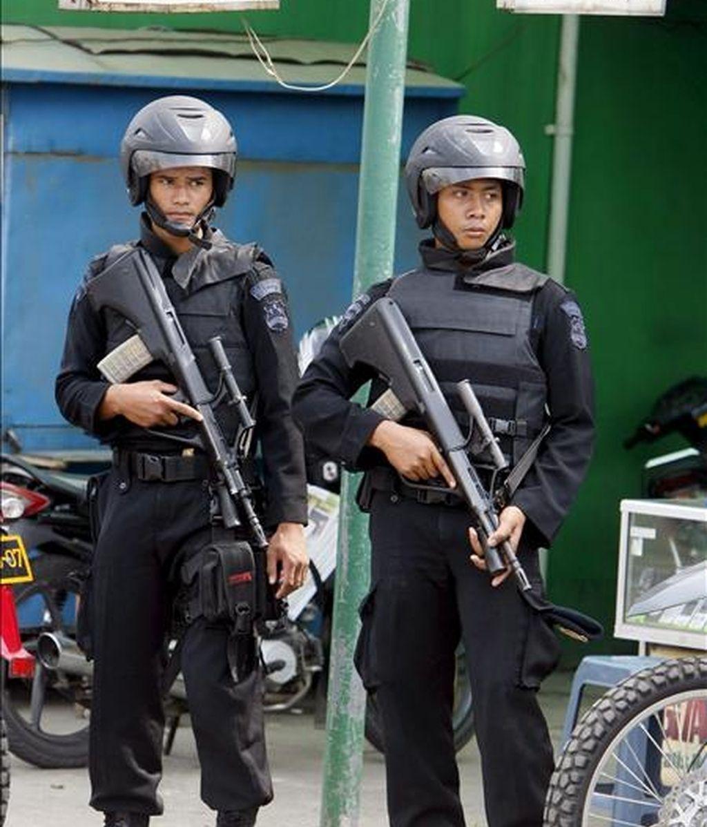 Policías en las calles de Yakarta. EFE/Archivo