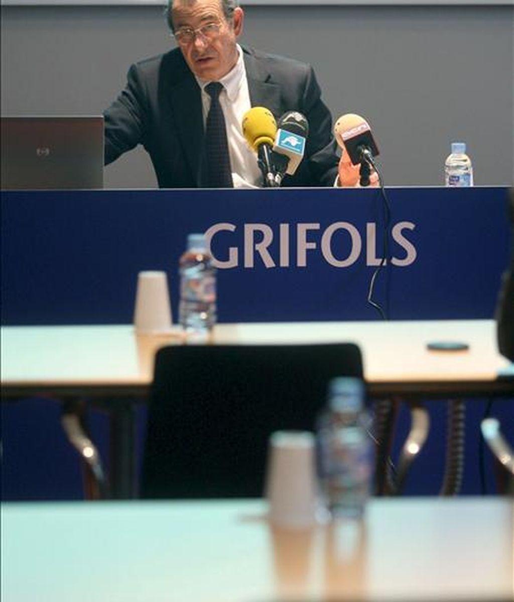 El presidente y consejero delegado de Grifols, Víctor Grifols, anunció en junio que Grifols asumirá una deuda financiera neta de 4.500 millones de dólares tras la compra de la empresa de hemoderivados estadounidense Talecris. EFE/Archivo