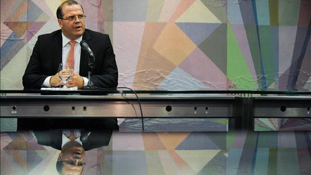 El futuro presidente del Banco Central de Brasil, Alexandre Tombini, habla el pasado 24 de noviembre de 2010, en Brasilia (Brasil). EFE/Archivo