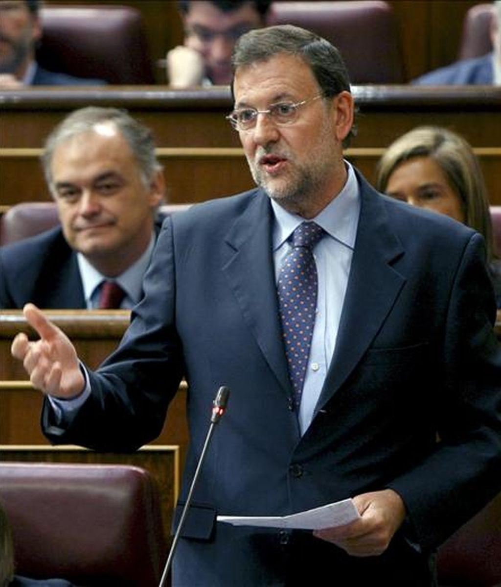 El líder del PP, Mariano Rajoy, durante su intervención en la sesión de control al Gobierno del pleno del Congreso de los Diputados celebrado hoy. EFE
