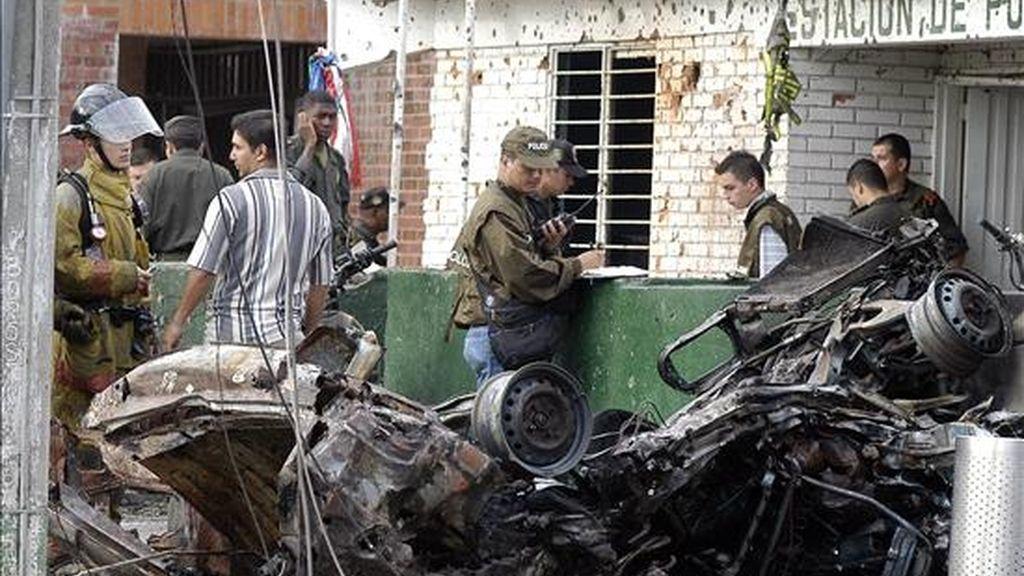 Una de las médicas que atendió a los heridos reportó que cuatro policías, dos galenas, un niño y dos civiles fueron remitidos al centro médico con heridas por la explosión del artefacto. EFE/Archivo