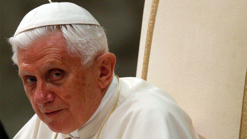 Encuentran en plena calle en Barcelona un dossier con el plan de seguridad de la visita del Papa