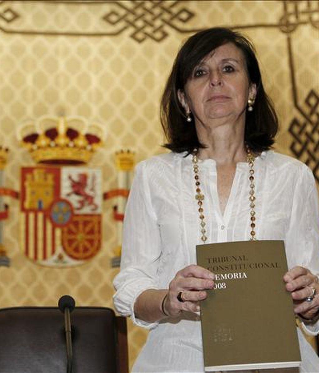 La presidenta del Tribunal Constitucional, María Emilia Casas, durante la presentación hoy en Madrid de la Memoria correspondiente a la actividad del Tribunal durante el año 2008. EFE