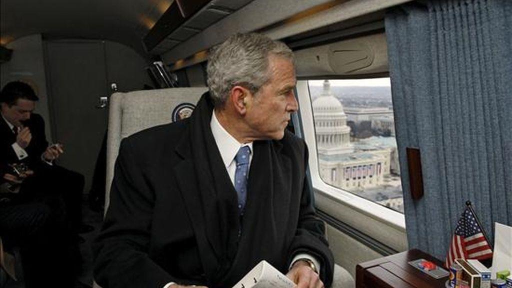 El Gobierno del ex presidente George W. Bush comenzó a preparar el uso de técnicas coercitivas en interrogatorios antes de ser autorizadas legalmente. EFE/Archivo