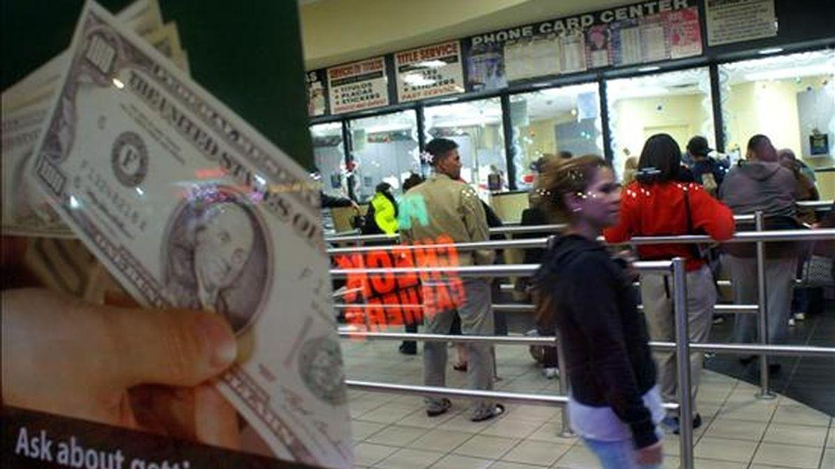 """El Gobierno boliviano señaló que será necesario hacer un seguimiento a las cifras, aunque consideró que """"no hay por qué alarmarse excesivamente"""" por la caída de las remesas. EFE/Archivo"""
