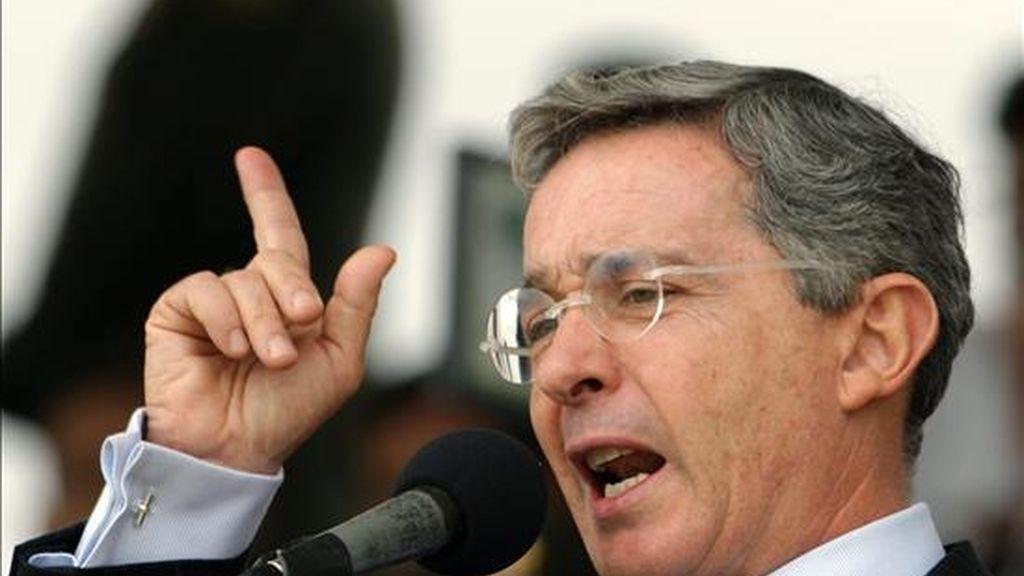 Uribe no ha dicho hasta el momento si se presentará a una segunda reelección en las elecciones de 2010. EFE/Archivo