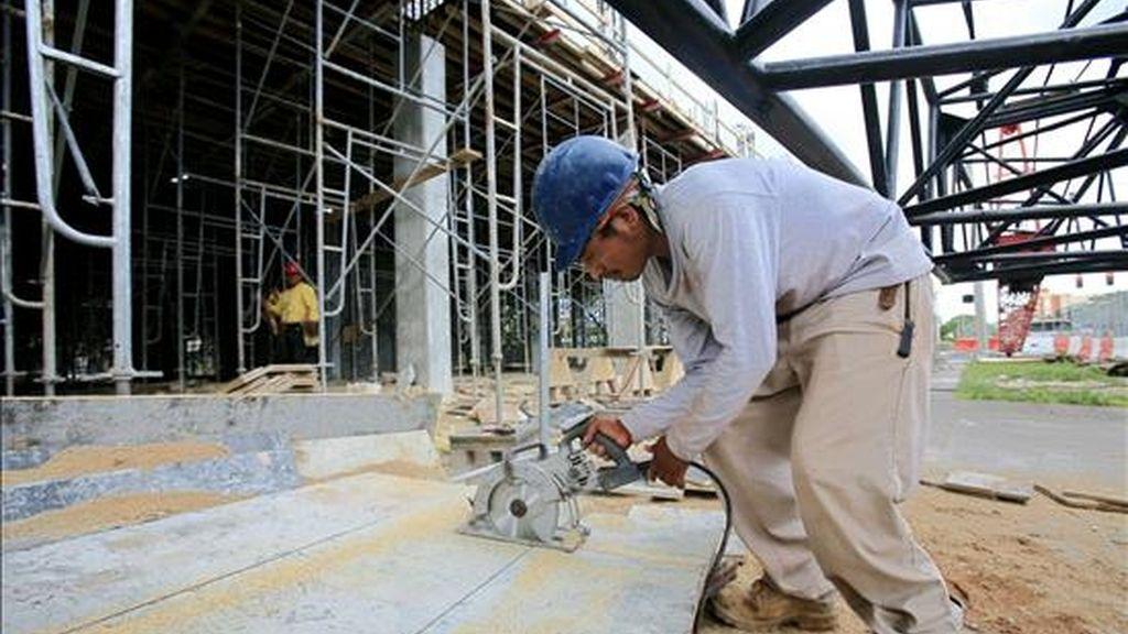Las cifras de agosto muestran un crecimiento vigoroso de la construcción de casas y apartamentos a pesar de que venciera, en abril, un subsidio de hasta 8.500 dólares otorgado por el Gobierno estadounidense a los compradores de vivienda. EFE/Archivo