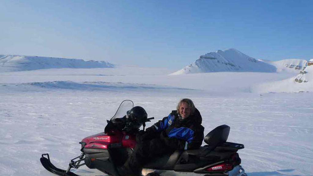 En moto de nieve por las Islas Svalbard